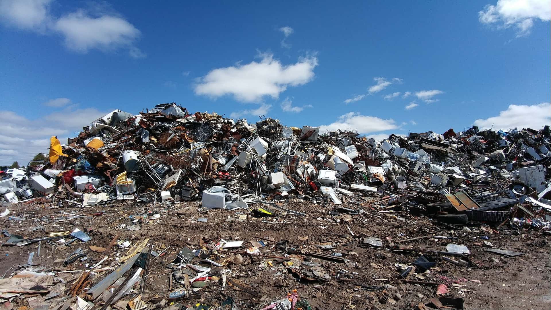 Recycling Plastic Building Materials: PVC vs. HDPE